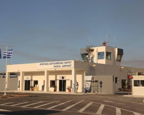 «Νεότερα για το αεροδρόμιο Πάρου, τον άλλο μήνα. Στα 1.799 μ. ο διάδρομος…». Δηλώσεις και σχόλια του Δημάρχου Πάρου, Μ. Κωβαίου.