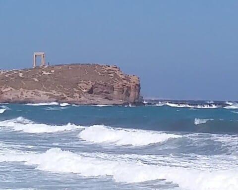 Περιμένοντας τον Μεσογειακό κυκλώνα στα νησιά μας...