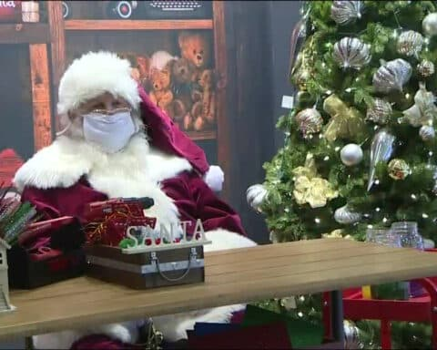 Ο Ναξιώτης στη Νέα Υόρκη μας στέλνει έμμετρα τις ευχές του για τα φετινά Χριστούγεννα