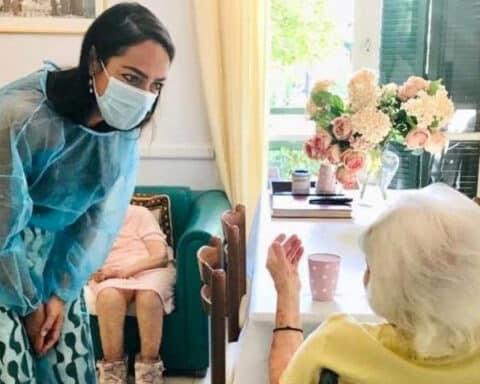 Covid-19: – εμβόλιο: 117 χρονών η γηραιότερη γυναίκα που εμβολιάστηκε στην Ελλάδα
