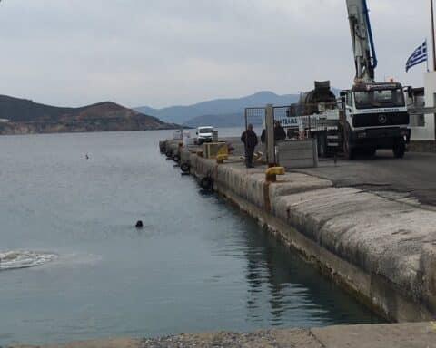 Λιμάνι Νάξου: Οι επισκευαστικές εργασίες στον κεντρικό προβλήτα - επιτέλους - ξεκίνησαν...