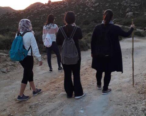 Δεκάδες εκπλήρωσαν το τάμα τους περπατώντας όλη νύχτα για την Παναγία την Αργοκοιλιώτισσα