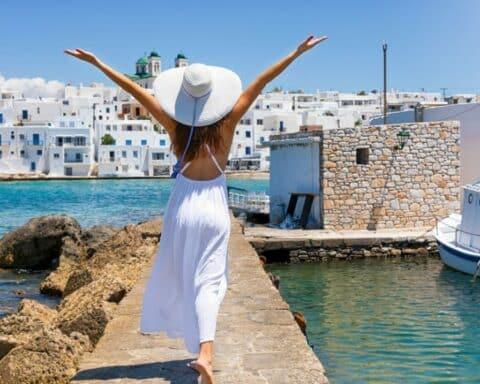 «Travel+Leisure»: Η Πάρος στο Νο2 του κόσμου και στο Νο1 της Ευρώπης! - Η Μήλος 3η στην παγκόσμια και 2η στην ευρωπαϊκή κατάταξη ! -Τα βραβεία...