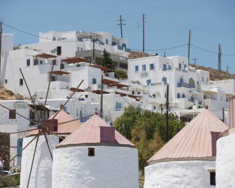 "H περιοδεία του πρωθυπουργού στην ""πεταλούδα"" του Αιγαίου... - Ο Μητσοτάκης στην Αστυπάλαια: Παρουσιάζει το πρώτο ενεργειακά ""πράσινο"" νησί της Μεσογείου - ΒΙΝΤΕΟ & ΦΩΤΟ"