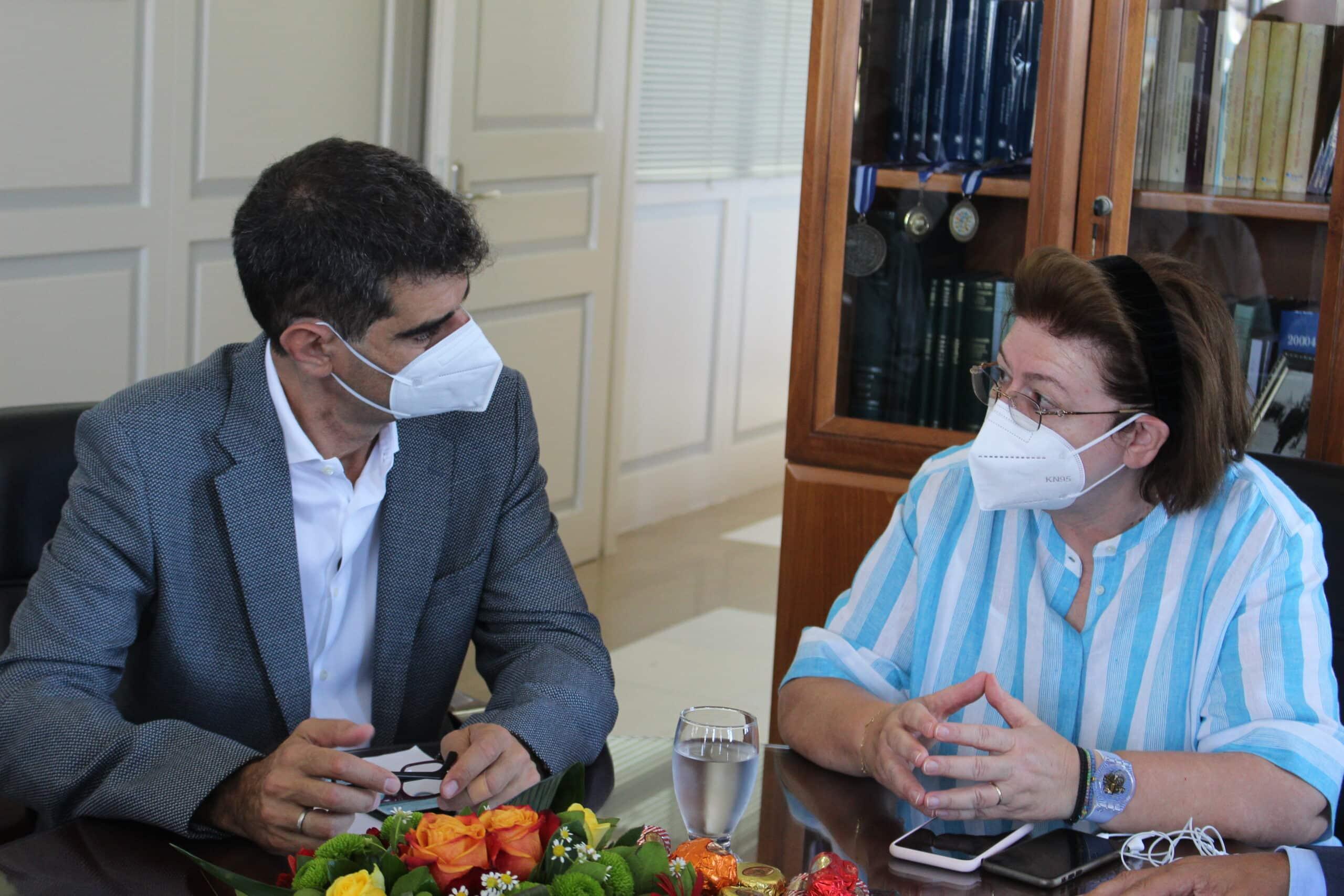 Και για την, μεταξύ άλλων, αναστήλωση και ανάδειξη του εμβληματικού ναού του Απόλλωνα, έκανε λόγο κατά την επίσκεψή της στην Νάξο, η υπουργός Πολιτισμού και Αθλητισμού Λ. Μενδώνη