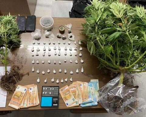 Συνελήφθησαν δύο για διακίνηση κοκαΐνης και κάνναβής και καλλιέργεια κάνναβης στην Αμοργό