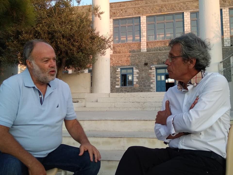 """Ο διευθυντής του 1ου Γυμνασίου Νάξου, Στράτος Φουτάκογλου μιλά στον """"Κυκλαδίτη"""" για την συμπλήρωση 100 ετών από την ίδρυση του 1ου Γυμνασίου Νάξου και την επετειακή εκδήλωση της 20ης Αυγούστου... (""""βίντεο"""")"""