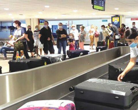 «Απογειώνονται» σε κίνηση τα αεροδρόμια του Ν. Αιγαίου - Έσπασαν το φράγμα του ενόςεκατομμυρίου διεθνών αφίξεων μέσω 8.000 πτήσεων
