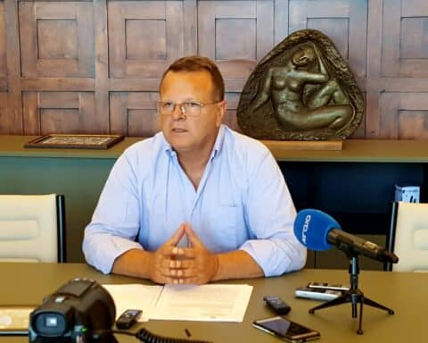 Νότιο Αιγαίο - Χ. Ευστρατίου: « Ο Χ. Κόκκινος, πριν ξαναμιλήσει για δημόσιο χρήμα, να επιστρέψει τα χρήματα που ζημίωσε την Ενεργειακή ΑΕ»