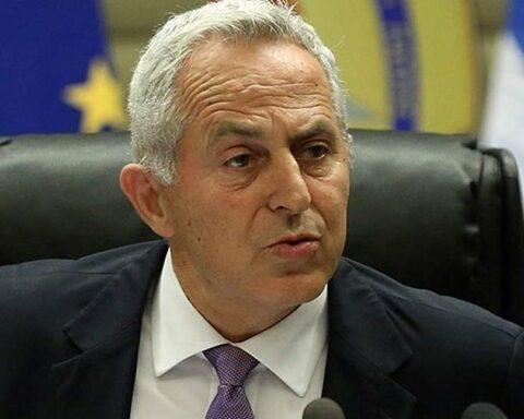 Δεν αποδέχεται τη θέση του υπ. Πολιτικής Προστασίας ο Ευ. Αποστολάκης