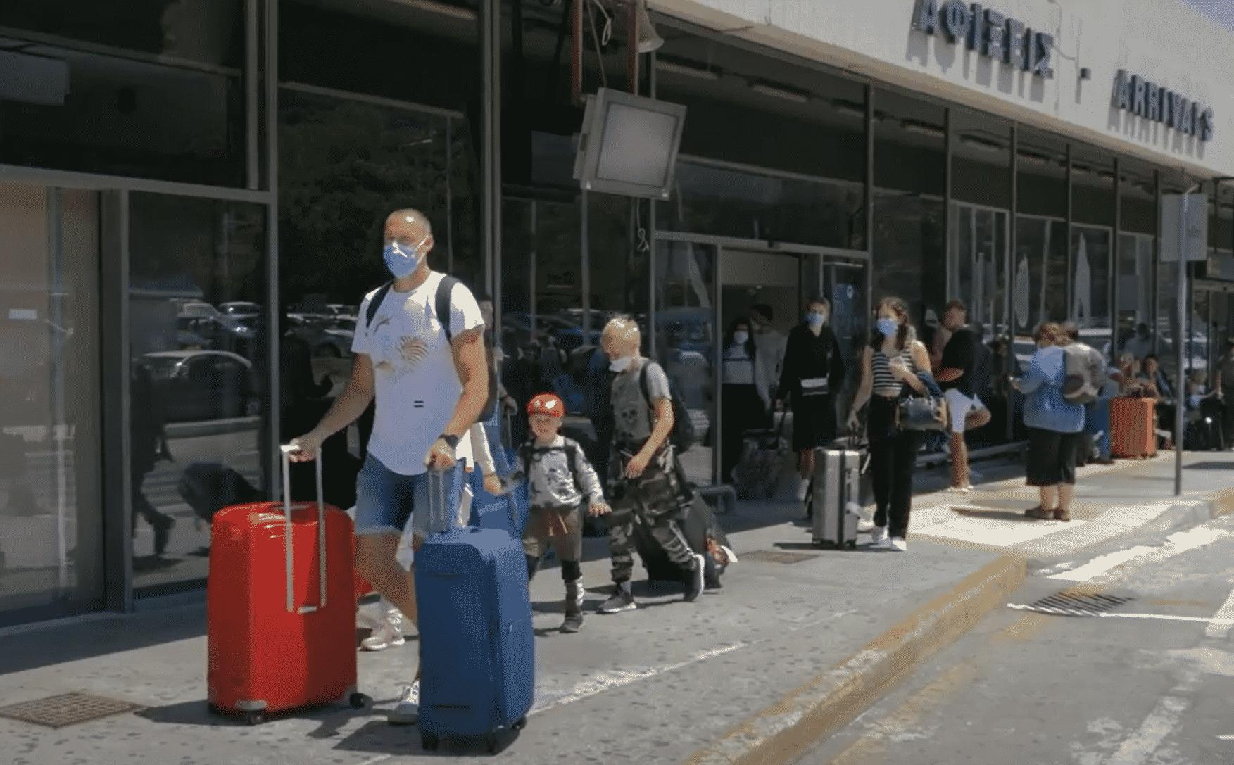 «Καλά κρατεί» και ο τουριστικός Σεπτέμβριος στο Νότιο Αιγαίο - Εξαιρετικά υψηλές οι αφίξεις το πρώτο δεκαήμερο σε Κυκλάδες και Δωδεκάνησα