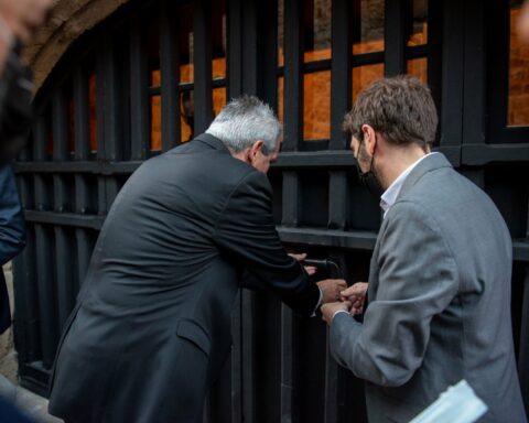 ΡΟΔΟΣ - Κατάλυμα της Γαλλίας: Μετά από πολλές δεκαετίες, ξεκλείδωσαν οι βαριές πόρτες της ιστορίας, στην οδό Ιπποτών