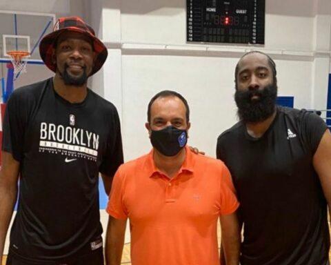 """Δυο γίγαντες του NBA στο """"Κλειστό"""" της Μυκόνου"""