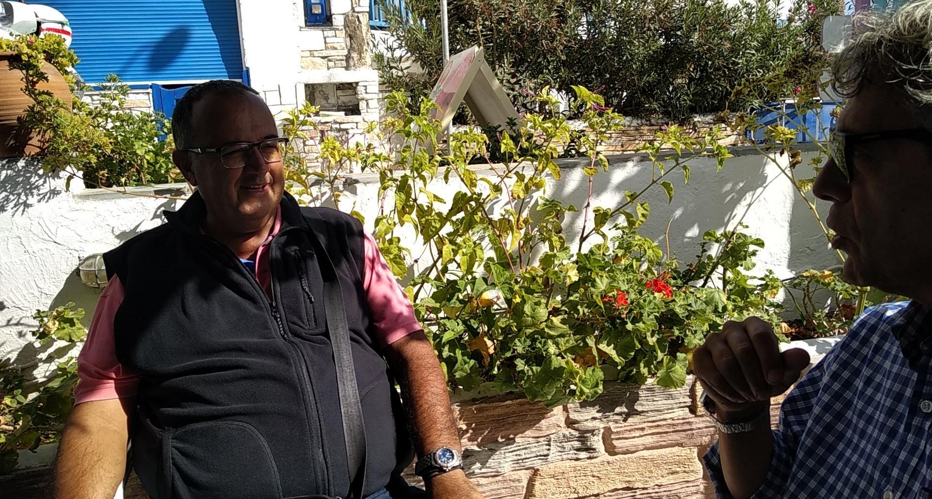 """Ο πρόεδρος της Κοινότητας Νάξου, Μ. Μαυρογιάννης, """"για όλα"""" που αφορούν στην Χώρα, στον Κυκλαδίτη... (video)"""